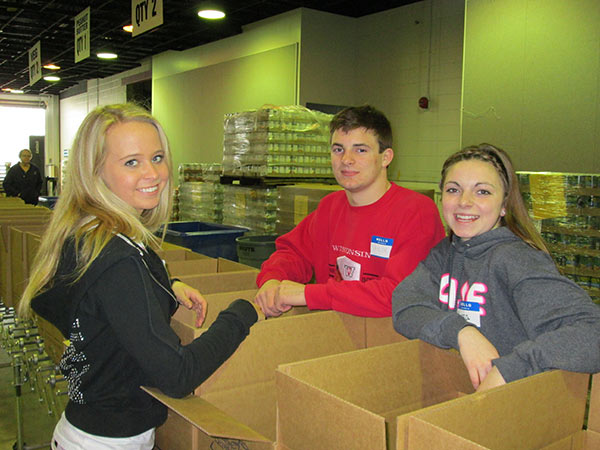 St. Louis Parish - Feeding the Hungry Service Projects Photo Gallery